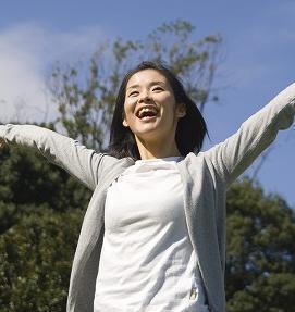まだ間に合う! ワキの多汗症の対策も大事です。